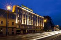 Hotel Cryston Image