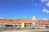 Ramblin Rose Motel Image