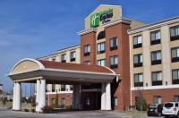 Holiday Inn Express Hotel & Suites Pratt Image