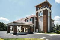 La Quinta Inn & Suites Chambersburg Image