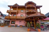 Hotel Arisch Image