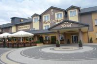 Hotel Batory Image