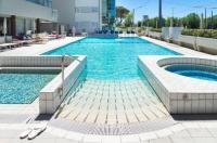 Hotel Ascot Image