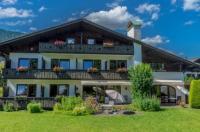 Hotel Garni Zugspitz Image