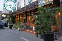 Sacha's Hotel Uno Image