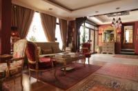 Gondola Hotel & Suites Image