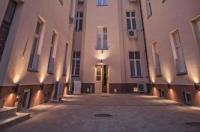 Blue Aparthotel Image