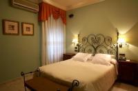 Hotel Juanito Image