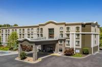 La Quinta Inn & Suites Sevierville/Kodak Image