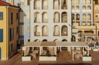 Life Hotel Image