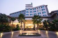 Grand Riverside Hotel Image