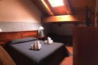 Hotel Clari Image