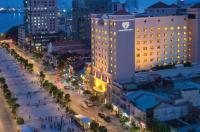 Duxton Hotel Saigon Image
