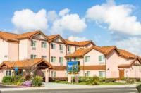 Rodeway Inn & Suites Hayward Image