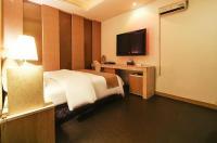 Dodo Tourist Hotel Image