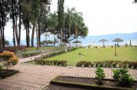Pandu Lakeside Hotel Tuktuk Image