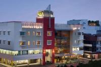 Hotel Santika Pontianak Image