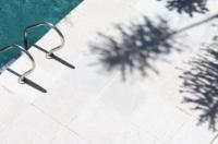 Hotel Cottage Image