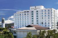 Sintesa Peninsula Hotel Image