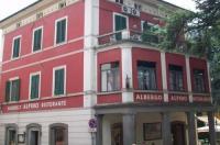 Hotel Alpino Image