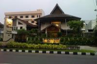 Hotel Baron Indah Image