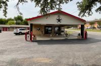 Glen Rose Inn & Suites Image