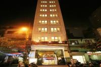 New Moon Hotel Image