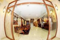 Le Marly Hotel Image
