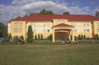 La Quinta Inn & Suites Fultondale Image