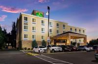 La Quinta Inn & Suites Auburn Image
