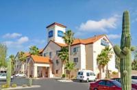Baymont Inn & Suites Tucson Airport Image