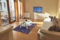Trendy Deluxe Apartments Image