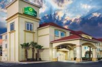 La Quinta Inn & Suites Kingsland/Kings Bay Naval B Image