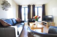 Crompton Court Apartments Image