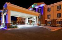 Holiday Inn Express Hotel & Suites Ozona Image