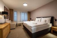 Hotel V Ráji Image