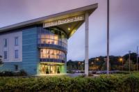Hilton Garden Inn Luton North Image