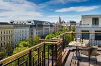 Hilton Vienna Plaza Image