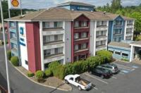 Phoenix Inn & Suites Lake Oswego Image