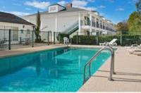Baymont Inn And Suites - Waycross Image