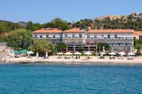 Pebble Beach Hotel Image