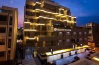 Cube Hotel Image