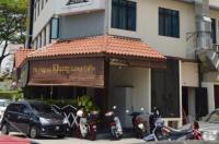 Hotel 916 Image