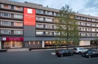 Glasgow Pond Hotel Image