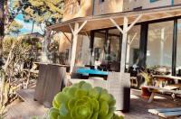 Brit Hotel Parc Azur Image