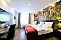 Ascot Hotel Image