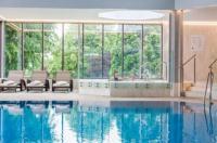 Blunsdon House Hotel Image