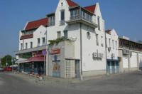 Háry Hotel Image