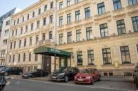 Hotel Adagio Image
