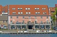 Hotel Am Yachthafen Image